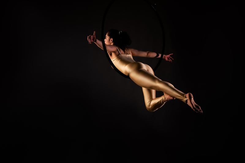 Elena Aerialist. Photo by René Bedbur